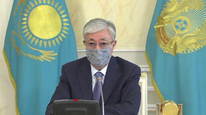 Токаев посмертно наградил двух врачей