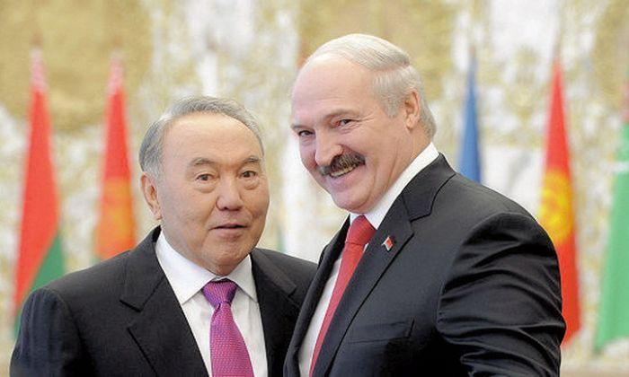 """""""Могу и полведра"""". Лукашенко назвал два случая, в которых выпивает"""