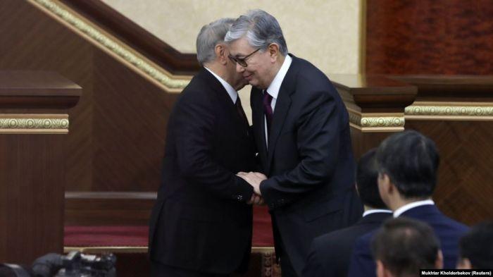 «Излюбленный тезис Назарбаева», «фактор Библиотеки» и «синдром временщика». «Изъятие пенсионных накоплений - это бомба, которую лоббируют намеренно». «Конец эры нефти, или Что значит выход ExxonMobil из индекса Dow Jones для Казахстана»