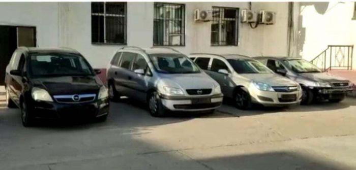 9 автомашин, принадлежащих иностранцам, продали мать с сыном в Туркестанской области