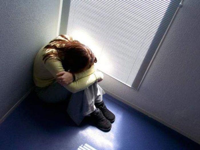 «Папа, не отдавай нас!». В Атырау девочка пыталась совершить самоубийство после развода родителей