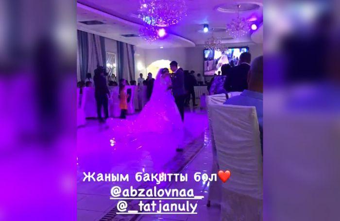 В Уральске сельский аким устроил пышную свадьбу сыну в ресторане