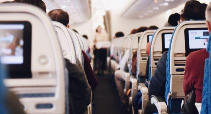 Авиакомпании могут наказать за посадку казахстанцев без ПЦР-теста