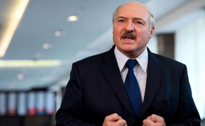 Лукашенко назвал протесты терроризмом и приказал отчислять студентов из ВУЗов