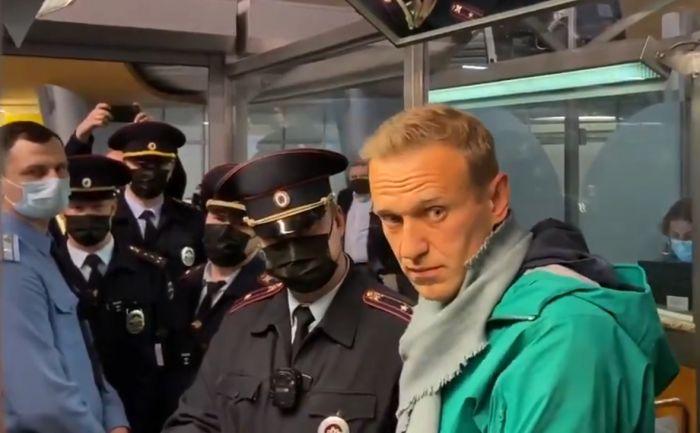 Навального задержали после прохождения паспортного контроля в Шереметьево