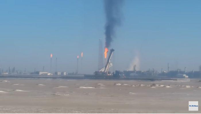 «Вынуждены платить в разы больше»: штрафы за сжигание газа в факелах планируют пересмотреть
