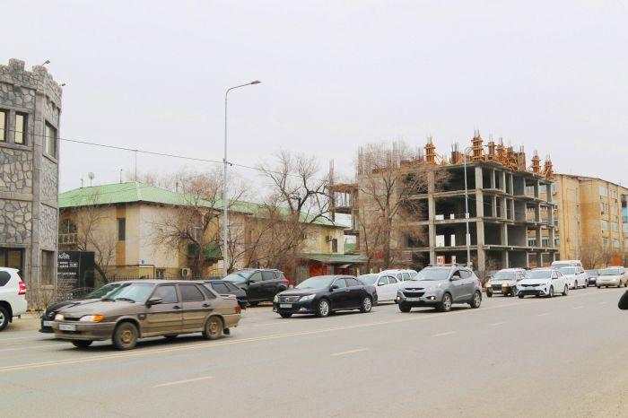 Старую двухэтажку снесли, людей временно переселили в арендное жильё