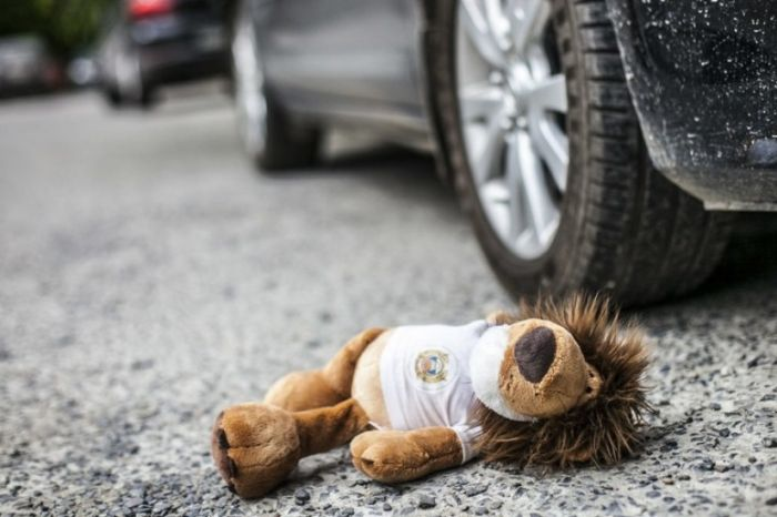 Пьяный водитель сбил группу школьниц в Алматинской области: девочки в коме