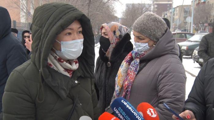 В Атырау обманутые туристы требуют возврата своих денег