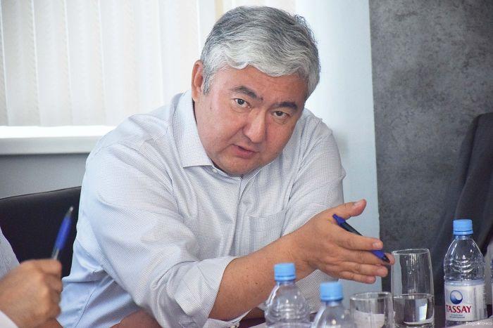 Алмас Чукин: Страна живёт не по средствам