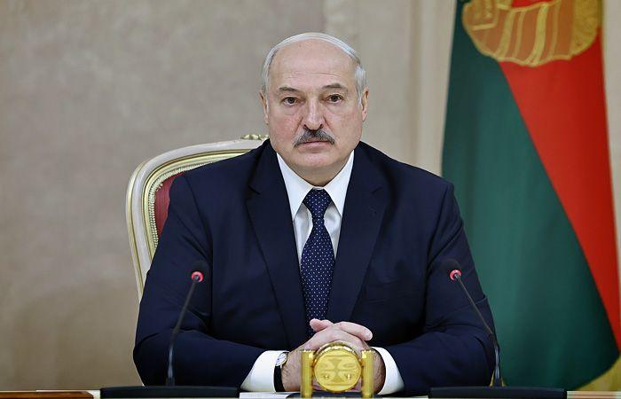 Лукашенко отказался прививаться от коронавируса