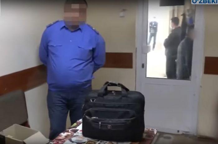 Два машиниста из Узбекистана пытались вывезти в Казахстан более 1 млн долларов