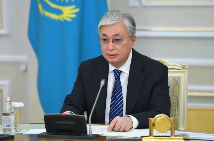 Токаев присвоил ряд высших воинских и специальных званий