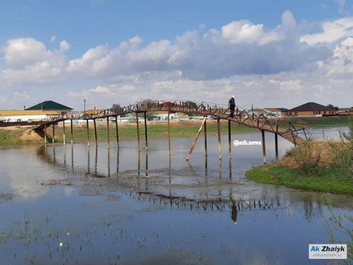 В Курмангазы вместо «спилберговского» построят новый мост