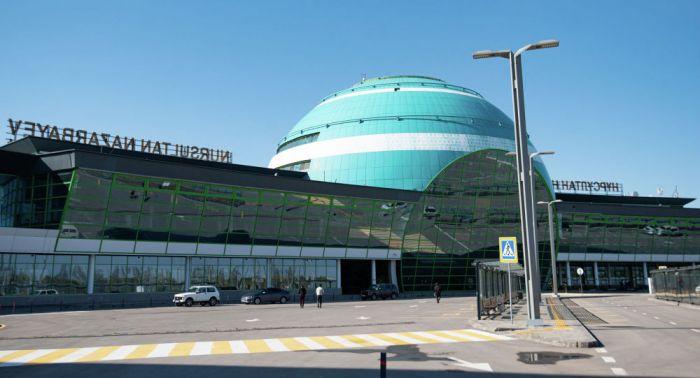 """Пассажиров с """"красным"""" и """"жёлтым"""" статусом в Ashyq не пустят в аэропорт Нур-Султана"""