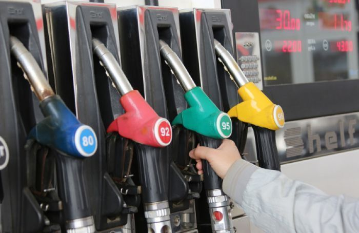 Рост цен на бензин объяснил глава Нацбанка
