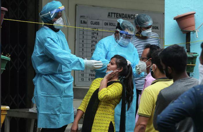 ВОЗ спрогнозировала рост смертности за второй год пандемии COVID-19