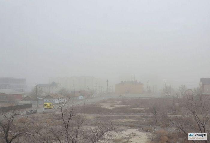 Пыльные бури в Атырау: карьеры ни при чём?