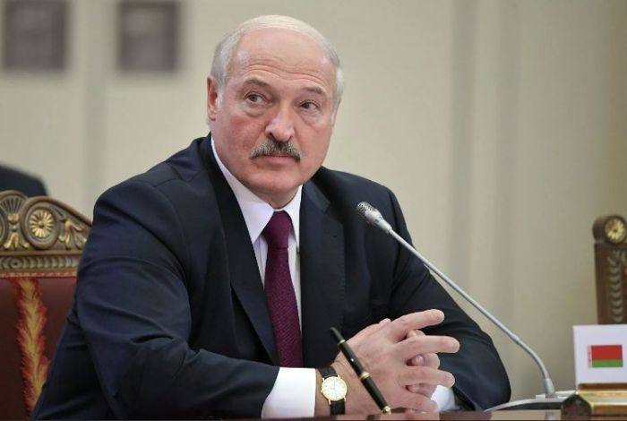 Лукашенко разрешил силовикам безнаказанно подавлять протесты боевой техникой