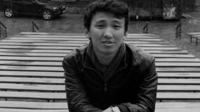 Токаев наградил погибшего в Чарыне учителя