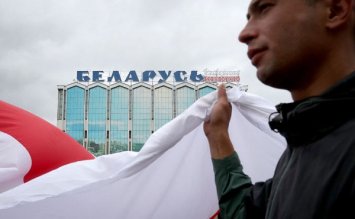 Под новые санкции ЕС по Беларуси попали сноха Лукашенко и Гуцериев