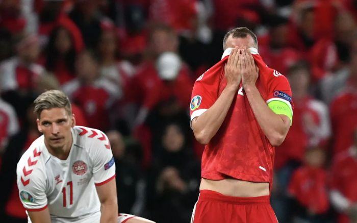 «Сами себя убиваем»: сборная России вылетела с Евро-2020 после поражения от датчан