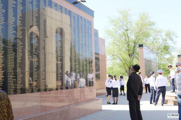 Токаев: На фронте погиб каждый второй солдат, призванный из Казахстана
