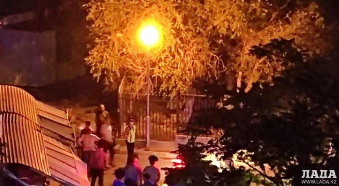 Ребёнок погиб от удара током, взявшись за фонарный столб в Актау