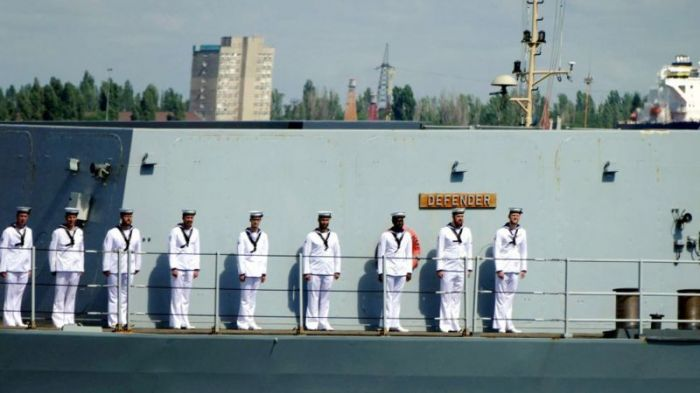 """Инцидент в Черном море: что происходило на борту эсминца """"Дефендер"""""""