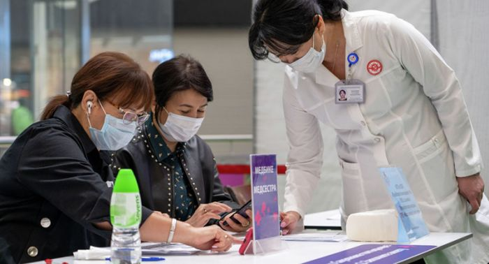Квартиру за вакцинацию пообещали еще в одной области Казахстана