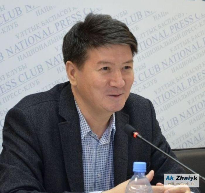 Премия Абдильды Мукашева вручена Азамату Шорманханулы
