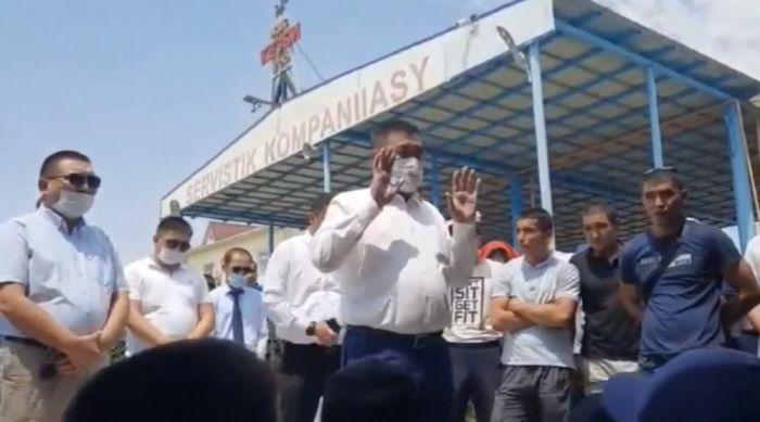 Требования бастующих в Жанаозене удовлетворены, утверждает Федерация профсоюзов