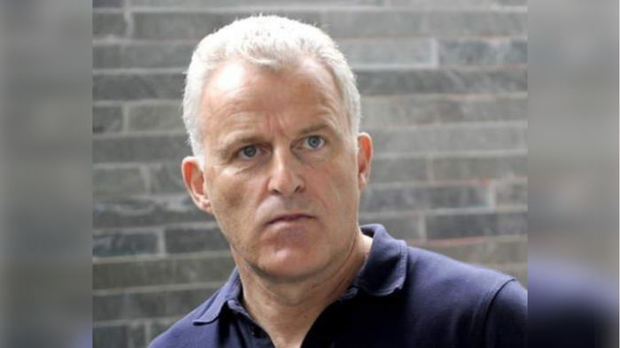 В центре Амстердама неизвестный расстрелял криминального журналиста