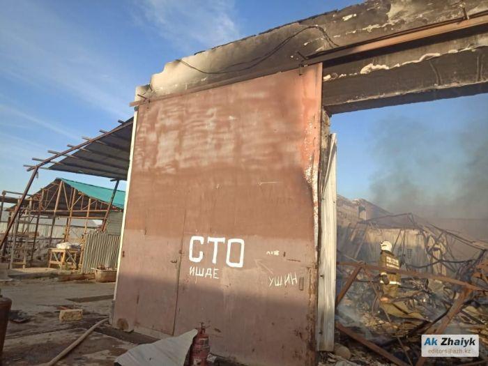 Владельцы сгоревших авто вышли на акцию протеста в Атырау