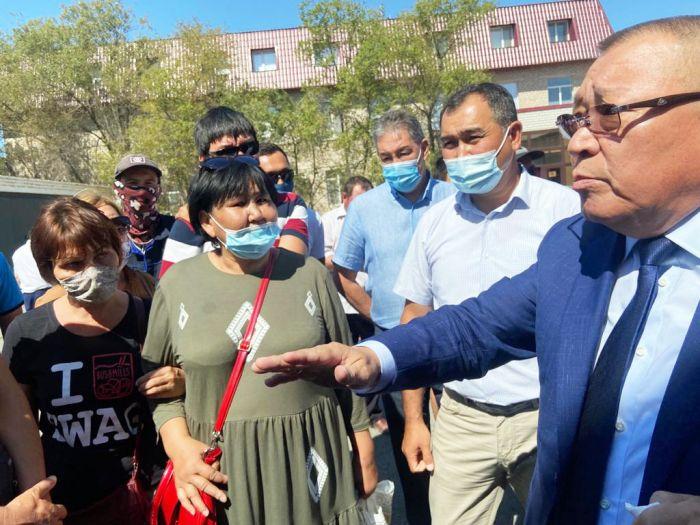 В Атырау тепловики провели митинг против принудительной вакцинации