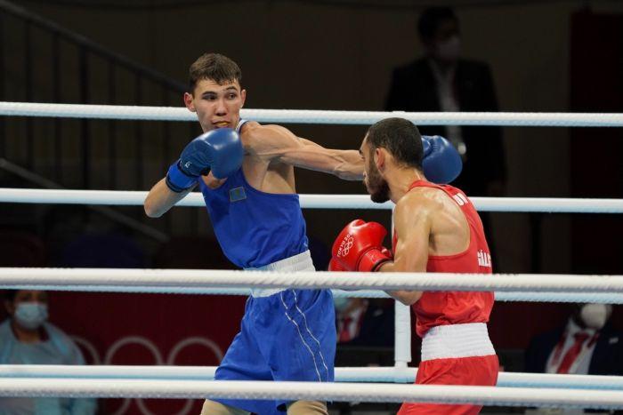 Казахстанский боксер стартовал с победы на Олимпиаде в Токио