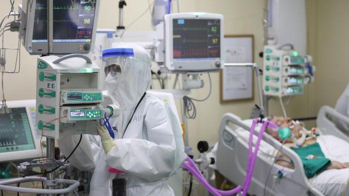 66 пациентов с COVID-19 находятся в тяжёлом состоянии в Атырауской области