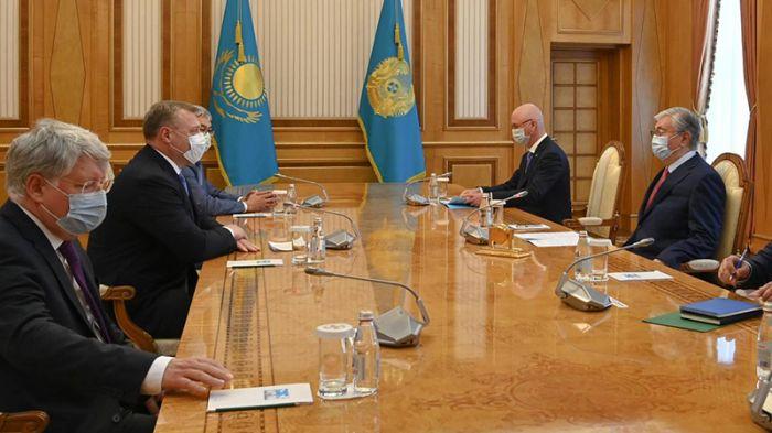 Токаев поблагодарил губернатора за поддержку астраханских казахов