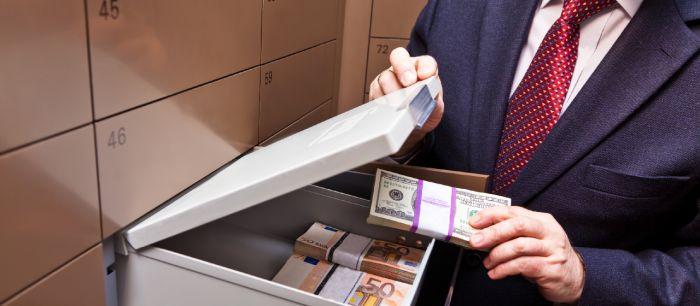 Казахстанские чиновники хранят в банках Сингапура 952 млн тенге
