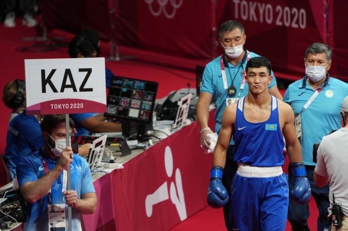Казахстанский боксер Аманкул стартовал с победы на Олимпиаде в Токио