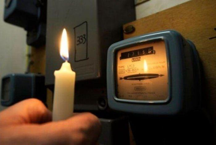 «Слабые провода не выдерживают напряжения. Надо менять СНиП»
