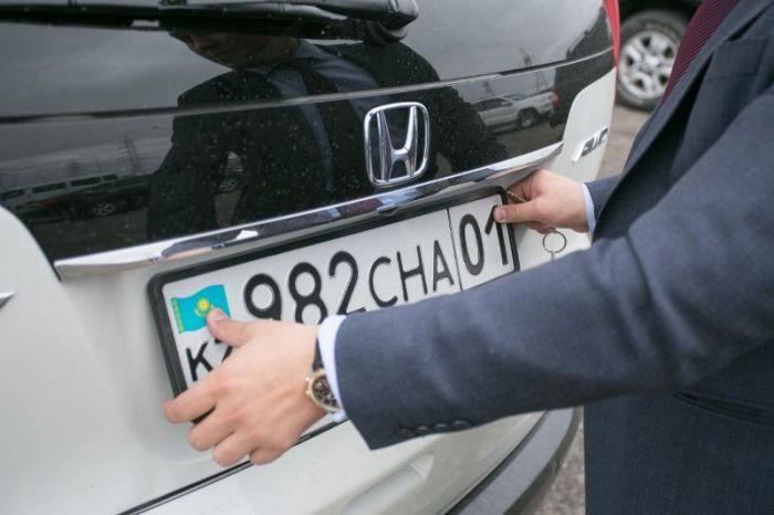 Казахстанцы не могут зарегистрировать новые авто из-за технического сбоя