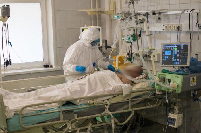 87 пациентов с COVID-19 находятся в тяжёлом состоянии в Атырауской области