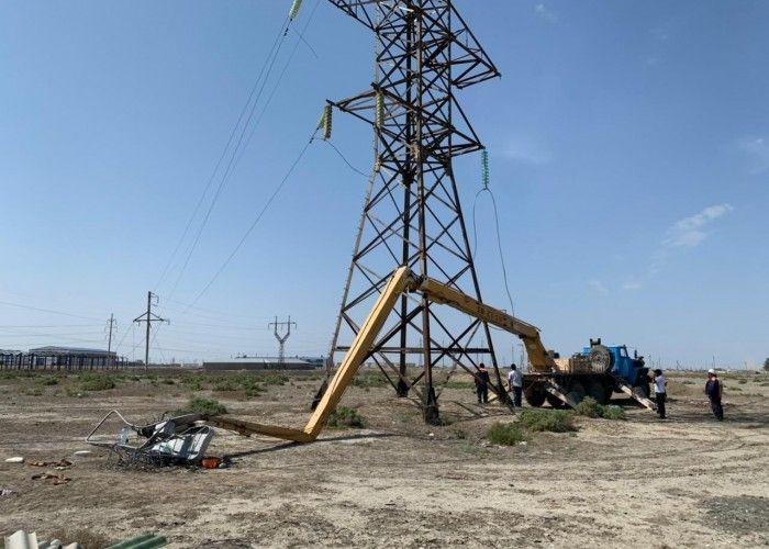 В Атырау из-за неисправной автовышки погиб электромонтер, второй в тяжёлом состоянии