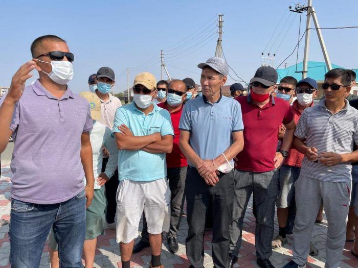 Дамбинские рыбаки вышли на протест