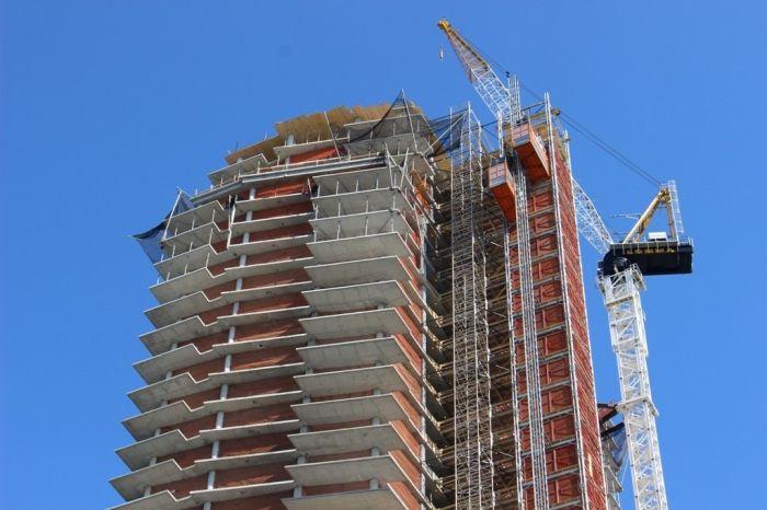 Строительные компании снизили цены на жилье