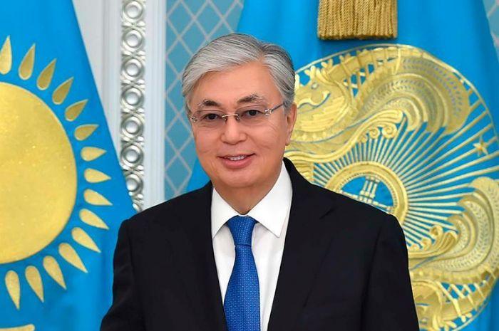Токаев поздравил казахстанцев с Днем семьи