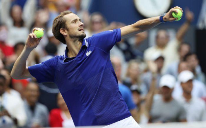 Медведев впервые в карьере стал чемпионом US Open
