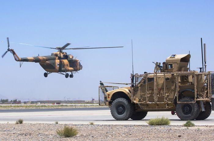 Афганских пилотов, бежавших от талибов в Узбекистан, вывезут на базу США в Катаре - СМИ