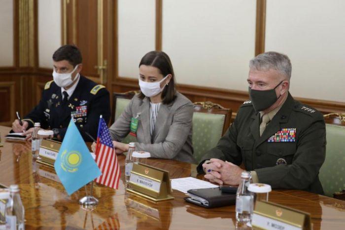 Глава Центкома ВС США генерал Макензи прибыл в Нур-Султан